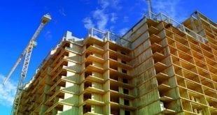 אתר בנייה של בניינים חדשים